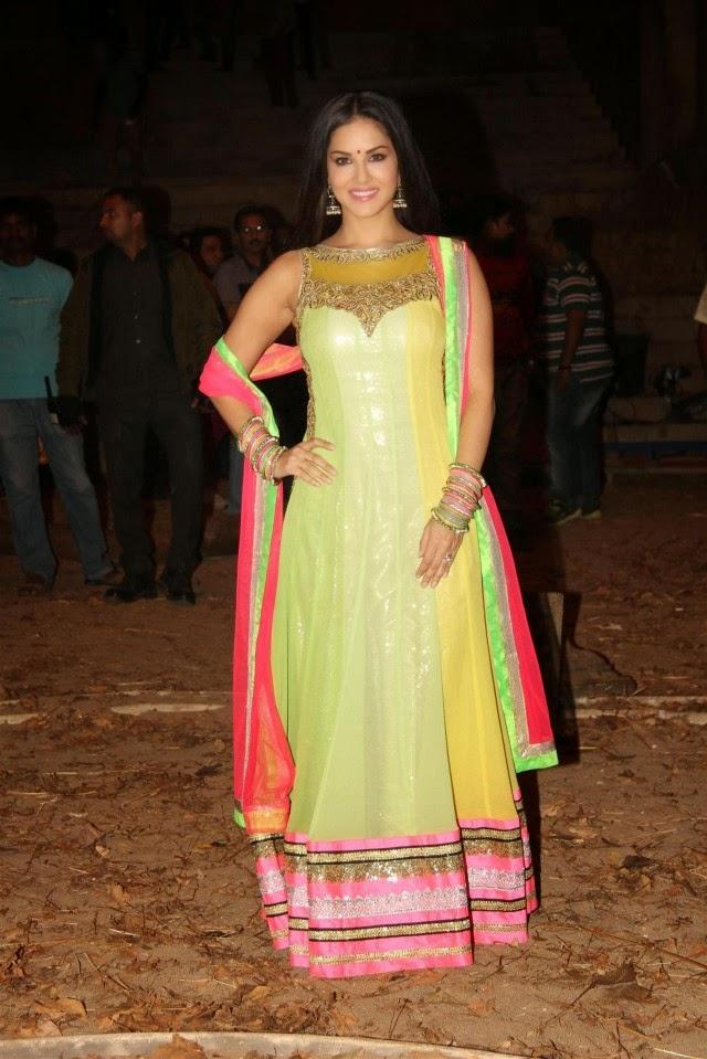 Fashion amp style sunny leone indian bollywood movies famous celebrity