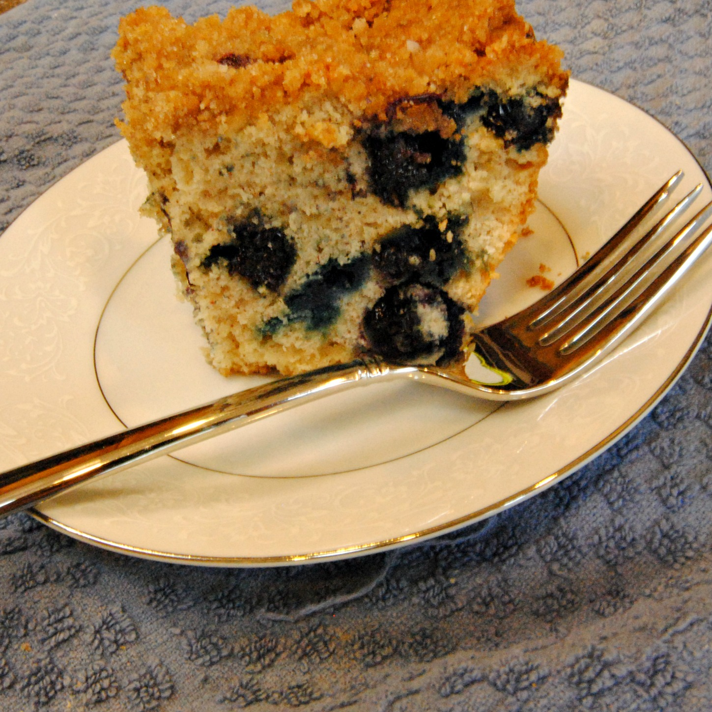 Homemade By Holman: Blueberry Crumb Cake