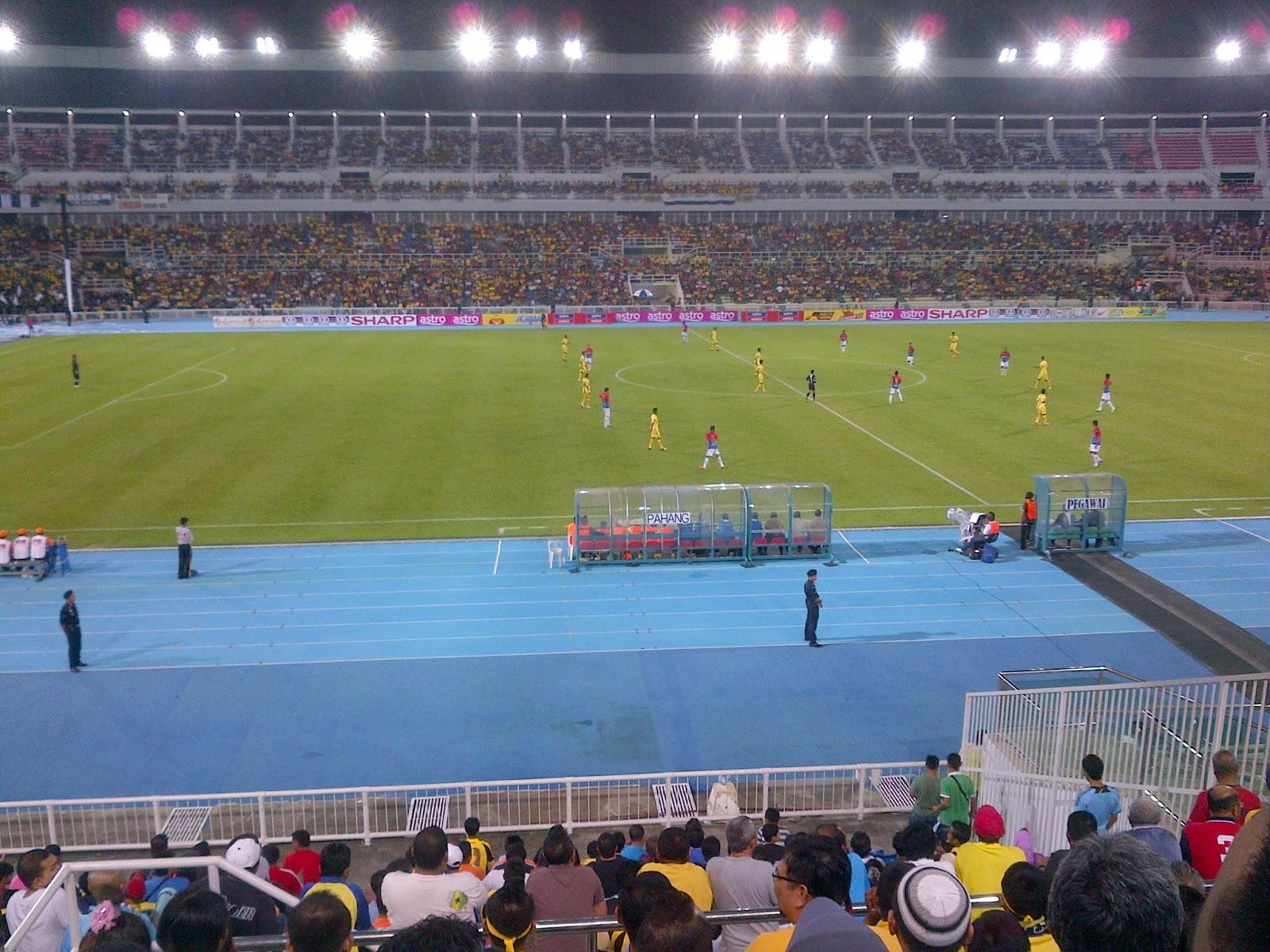 http://2.bp.blogspot.com/-KlEfTfrhNXA/UO57upxeTvI/AAAAAAAADO8/mI9aReuMl20/s1600/Liga+Super+-+Pahang+vs+Johor+Darul+Takzim+FC5.jpg