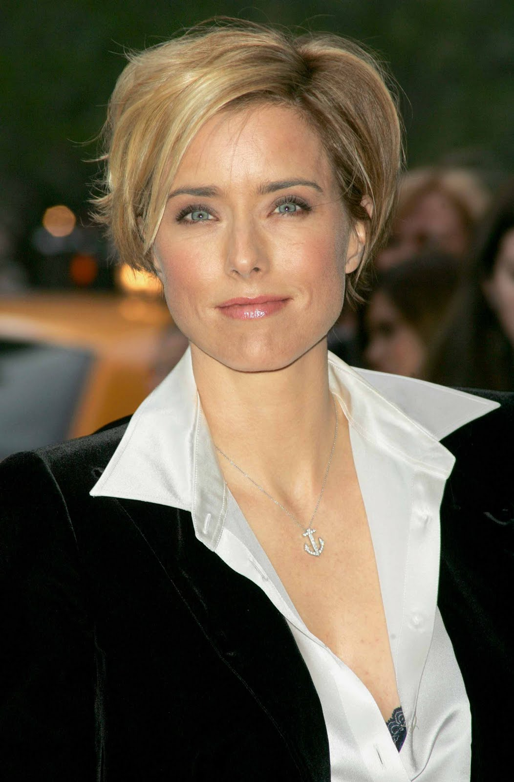 Tea Leoni Ultimate Image