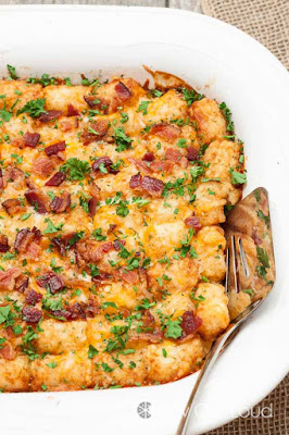 Cheesy Tator Tot Breakfast Bake