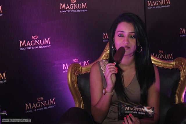 Trisha-At-Magnum-Ice-Cream-Launch+(5)