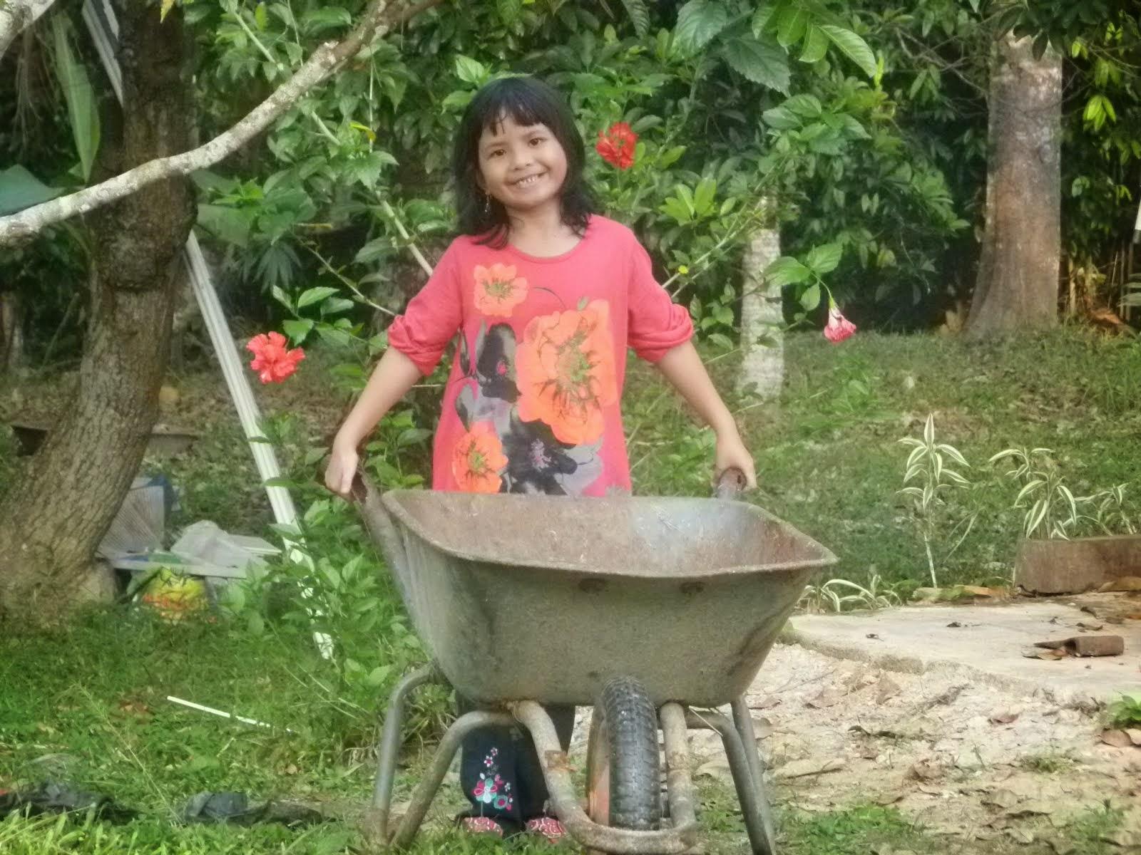 Puteriku..AriFah NaDrah