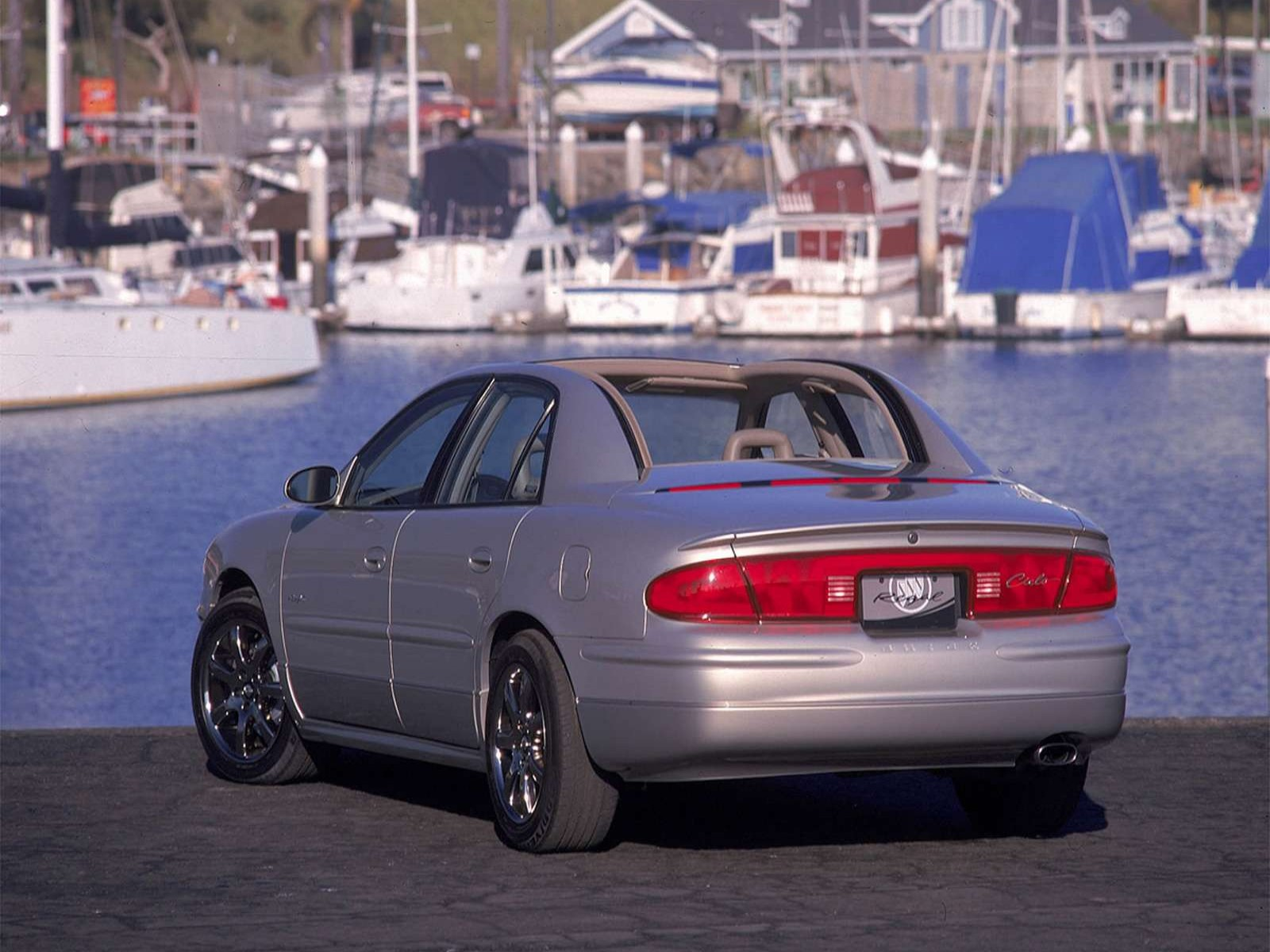 http://2.bp.blogspot.com/-Klo7L6LfQ-s/TqHCkC7B7LI/AAAAAAAAARI/d-kuccpLmYA/s1600/Buick+Regal+Cielo+Concept+2000+04.jpg