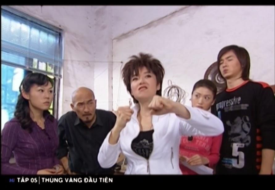 Phim Thùng Vàng Đầu Tiên