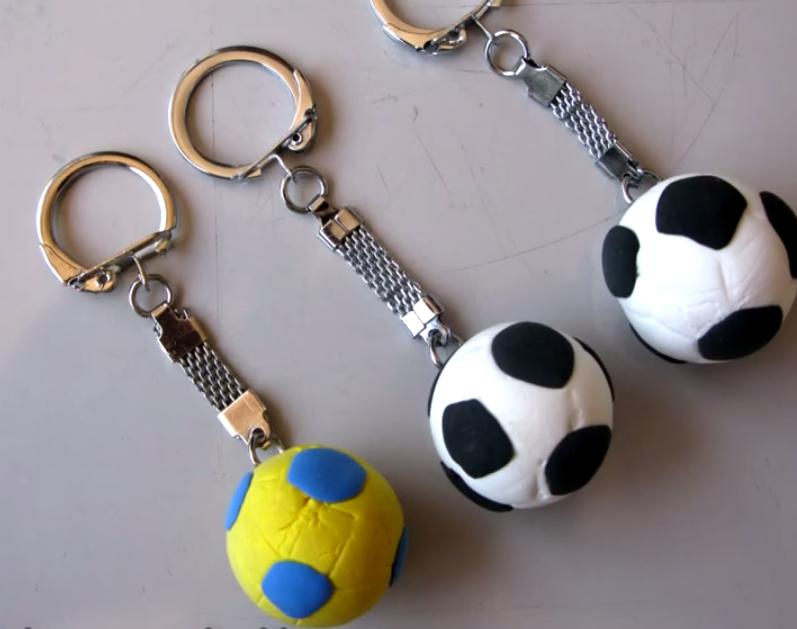 Formas De Pelotas De Futbol Para El Dia Del Padre | apexwallpapers.com
