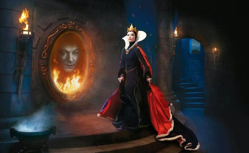 Olivia Wilde como la Reina Malvada y Alec Baldwin como el Espejo Mágico