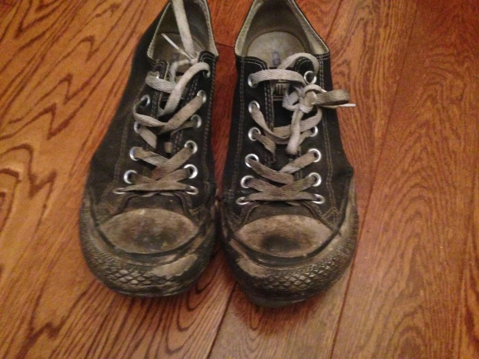 Wat er nog over is van je schoenen ziet er ongeveer zo uit: