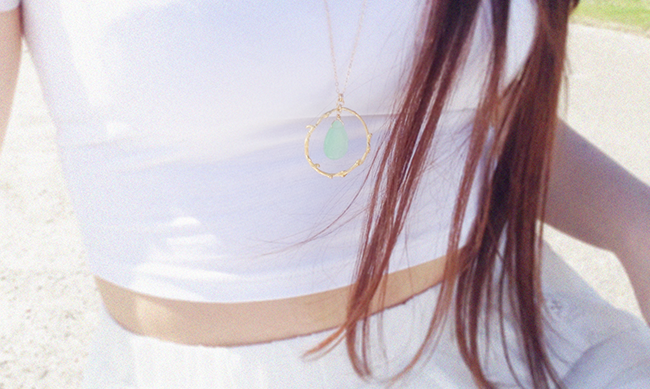 aimerose white outfit branch necklace