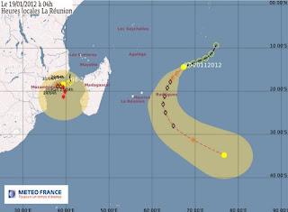 Systeme 94S und 95S pot. ETHEL & FUNSO im Indischen Ozean werden voraussischtlich zu starken Stürmen, Ethel, Funso, Indischer Ozean Indik, Zyklonsaison Südwest-Indik, Afrika, Madagaskar, aktuell, Januar, 2012, Satellitenbild Satellitenbilder, Vorhersage Forecast Prognose,