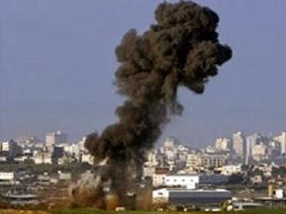 Ledakan di Gaza (foto InfoPalestina)