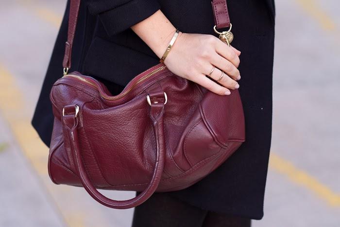 Bolso de cuero en color Burgundy de Zara