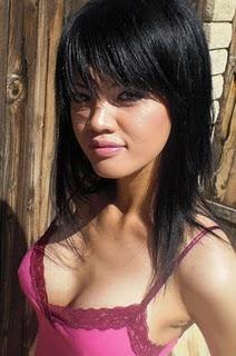 top indonesian celeb farah quinn bra 34d size