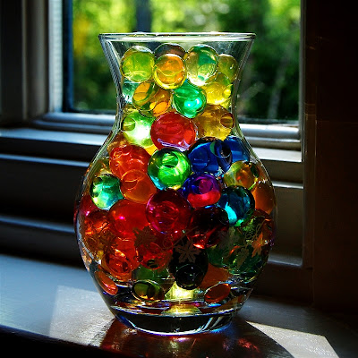 http://www.capadiadesign.com/2011/05/water-marbles.html#.U0js4FcXK7w