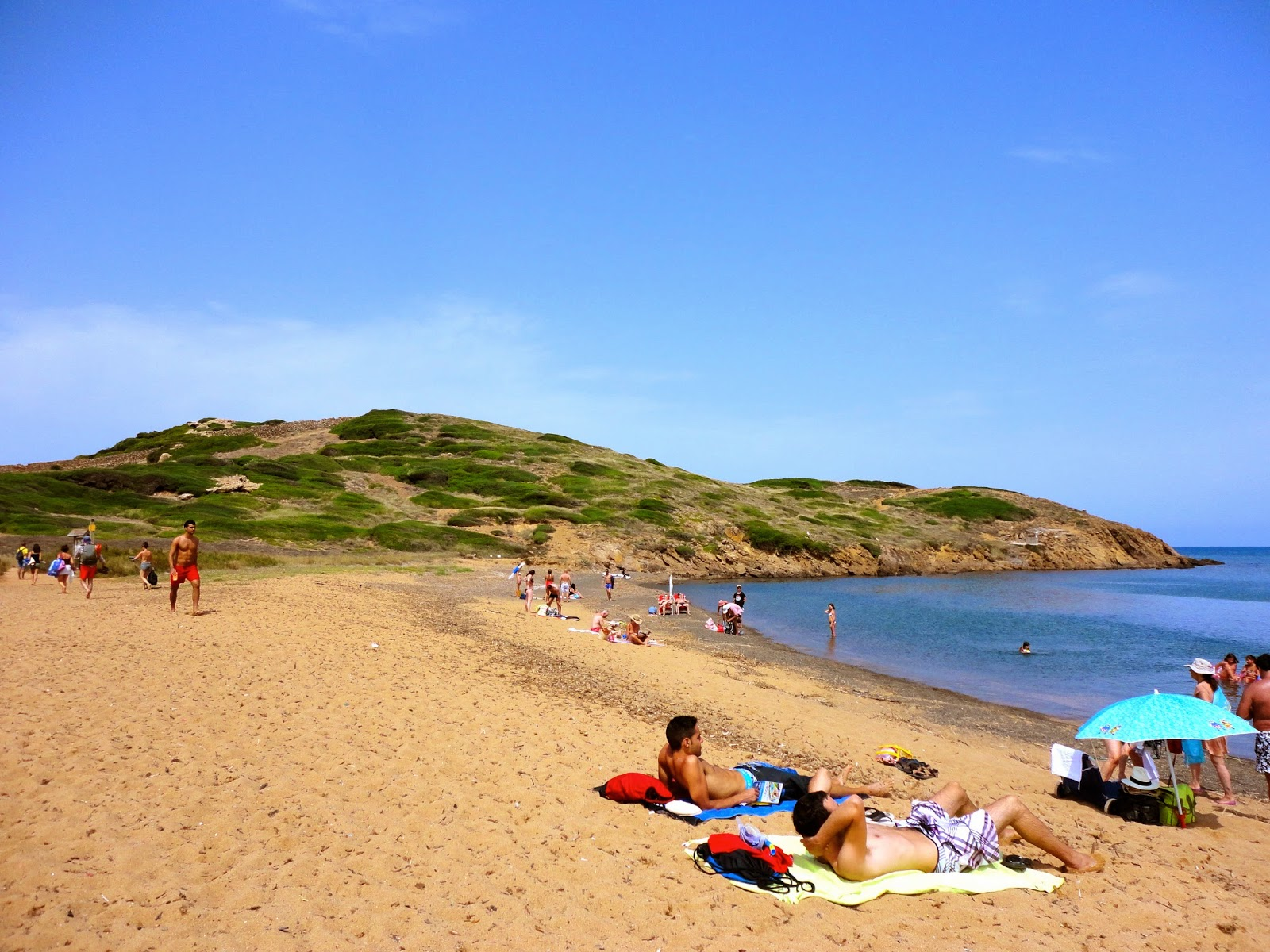 Travel Inspiration | Menorca, Spain | beach scene with hills