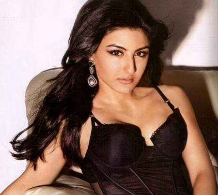 Hot bollywood actress without clothes