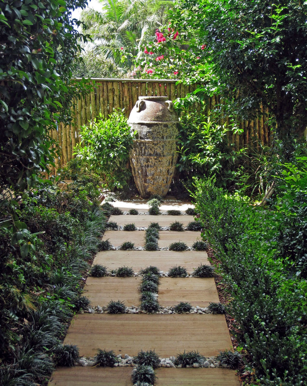 Living colour landscapes garden design ideas diary up the for Garden path designs