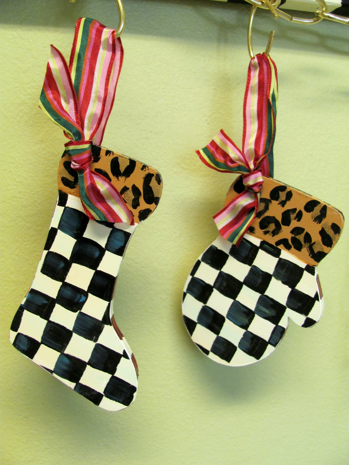 Black And White Checked Ornament Set