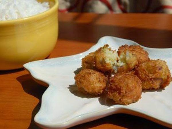 http://recipes.sandhira.com/chawal-ke-pakode.html