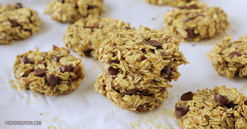 Banana Oatmeal Breakfast Cookies | therisingspoon.com