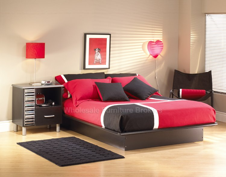 Black and Red Bedroom Design Idea