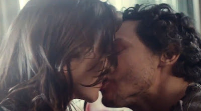 The Kiss - Vodafone TV Commercial 2013