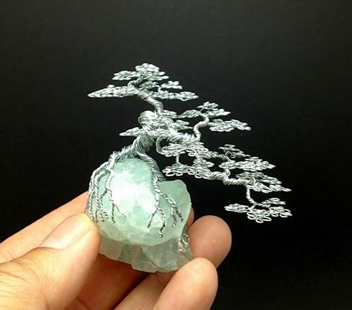 21-Ken-To-aka-KenToArt-Miniature-Wire-Bonsai-Tree-Sculptures-www-designstack-co