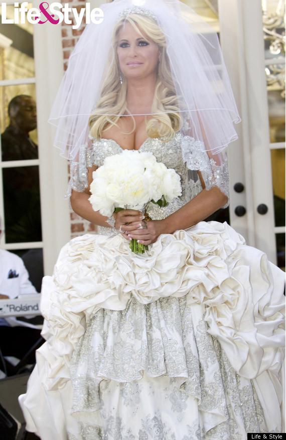 USD 3 000 Wedding Dresses : Million dollar wedding budget on different dresses