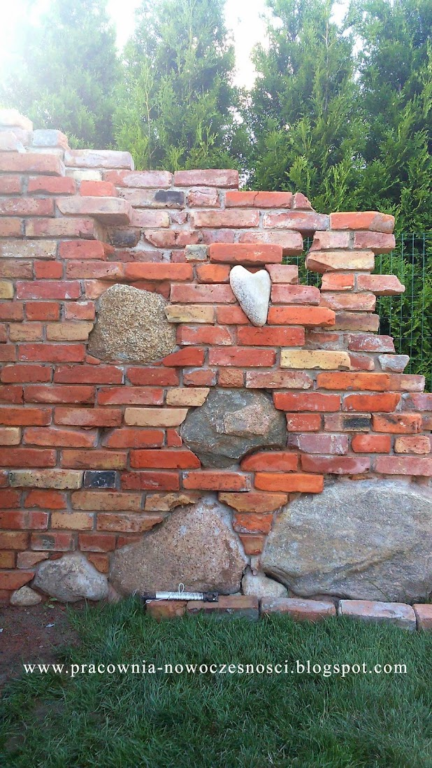 kamień w murze
