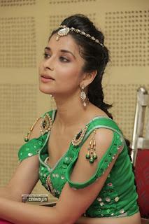 Actress-Madhurima-Latest-Photos