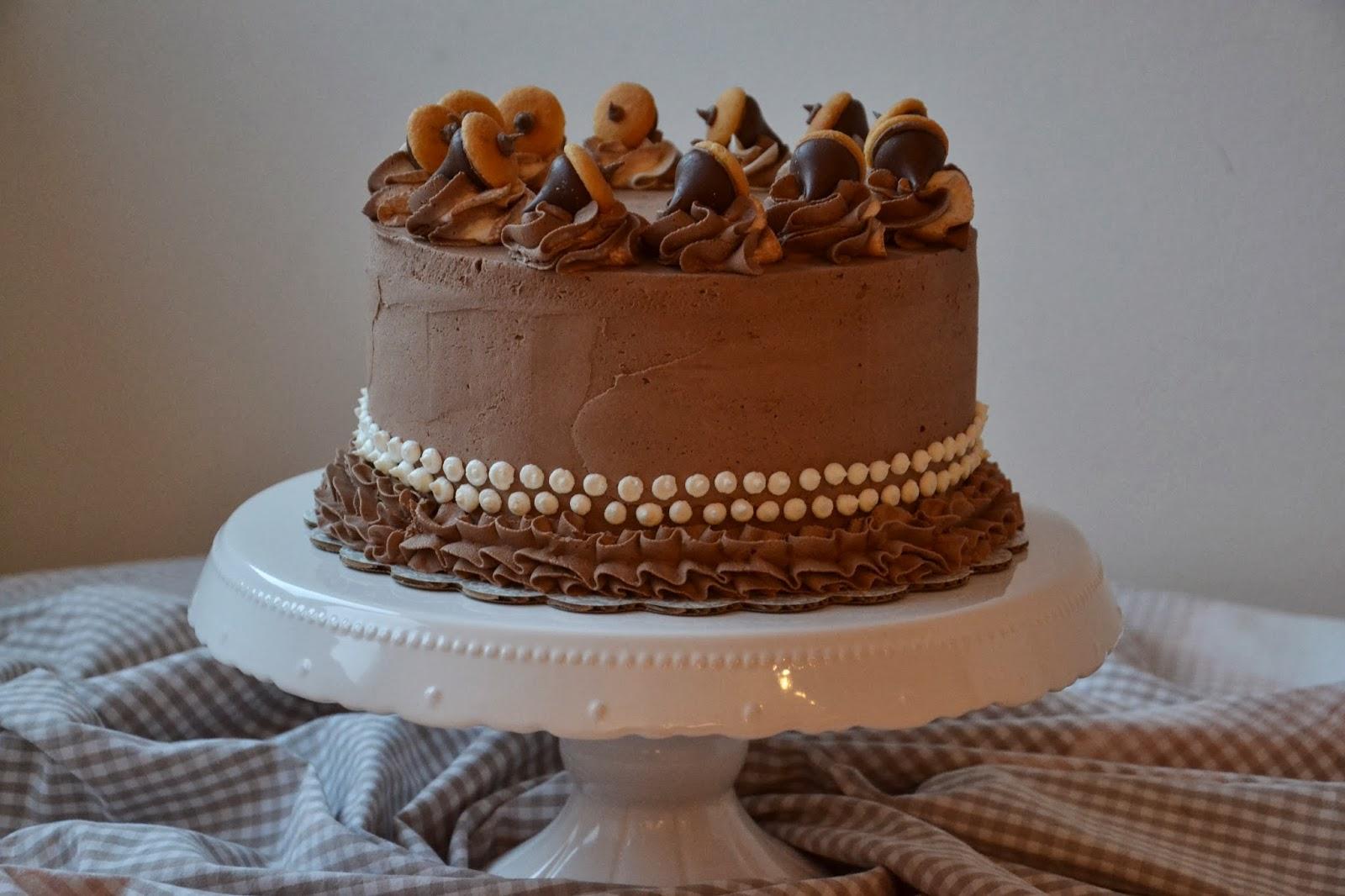 -Layer Vanilla Cake with Chocolate Buttercream and Hershey Kiss ...