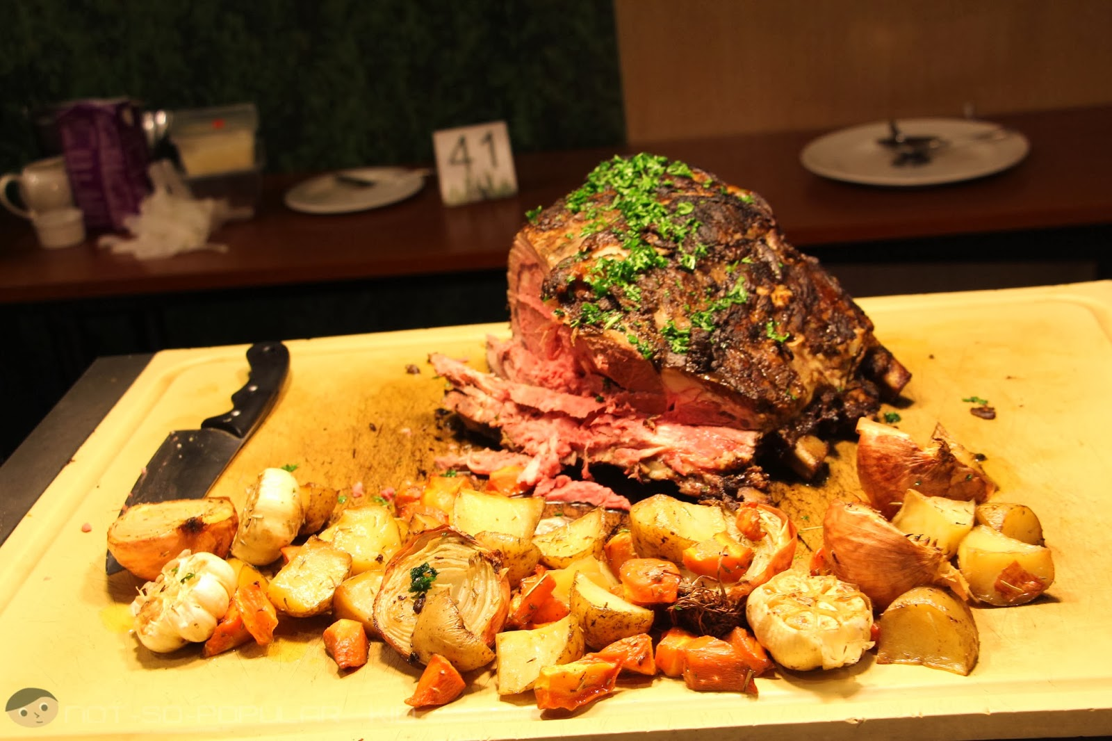 The tantalizing roast beef of Midas Hotel - tender but rare