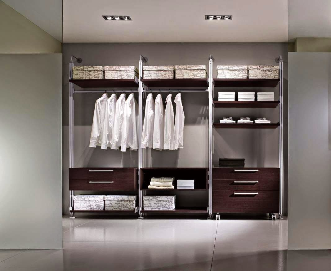Model-Wardrobe-Clothes-Minimalist-Modern-Luxury