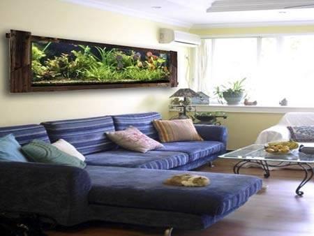 Bể cá đặt phía sau sofa dễ tạo ra bất ổn cho gia chủ