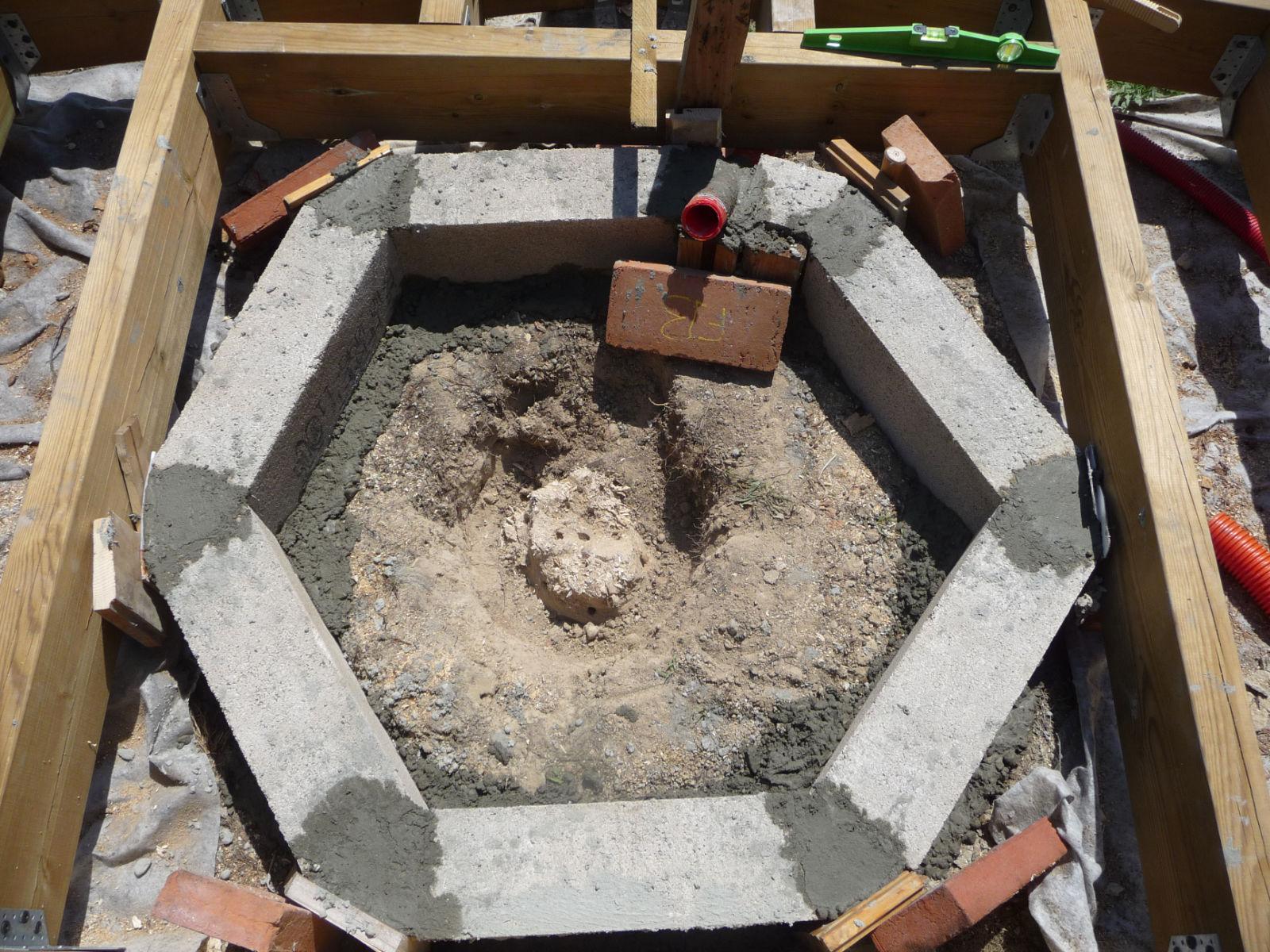 Faire sa terrasse en bois sur plots beton - Faire sa terrasse en beton ...