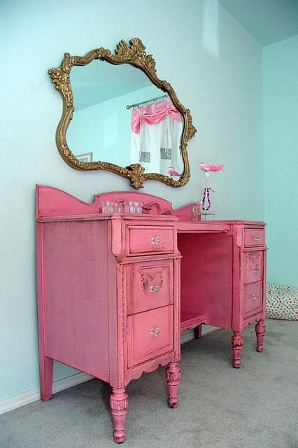 Wonderful Girls Pink Painted Furniture 426 x 640 · 64 kB · jpeg