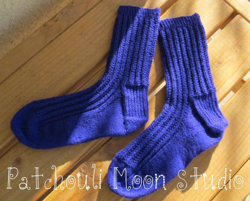 Knit Pattern For Moon Socks : Patchouli Moon Studio: Knit Socks & Yarn
