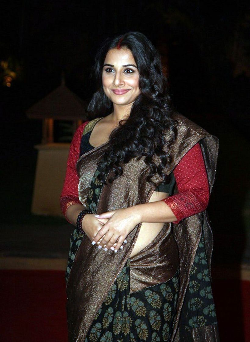 vidya balan hot photos in green color saree - kollywood stars