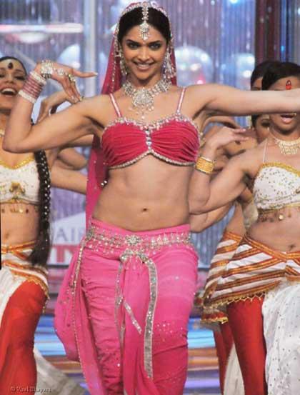 Deepika Padukona Bharathanatiyam in Kochadaiyaan