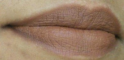 Faces Cosmetics Lip Pencil in Sand on my lips