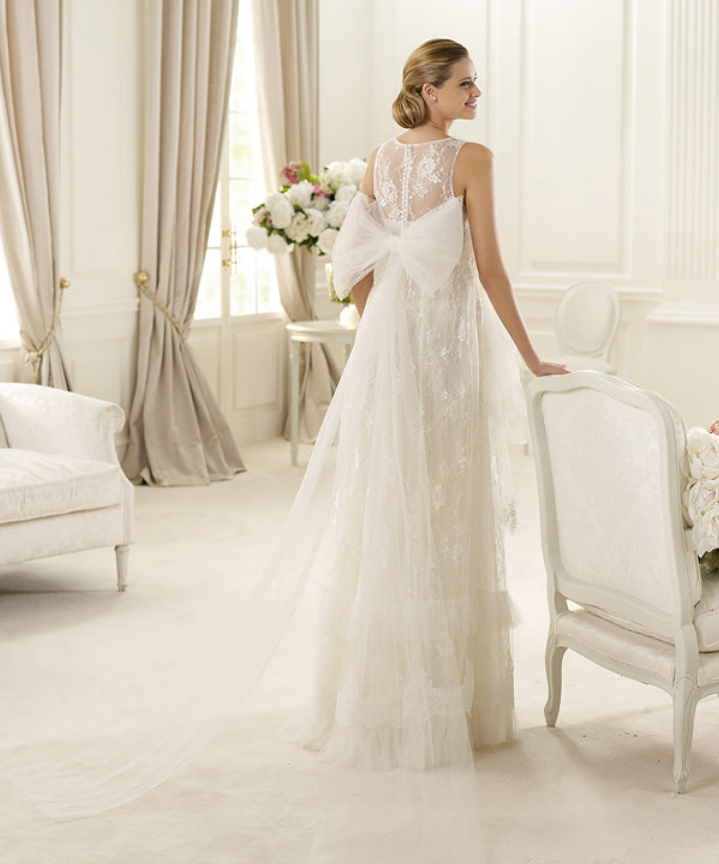 Collection robes de mari e pronovias 2013 la suite for La conservation de robe de mariage de noeud
