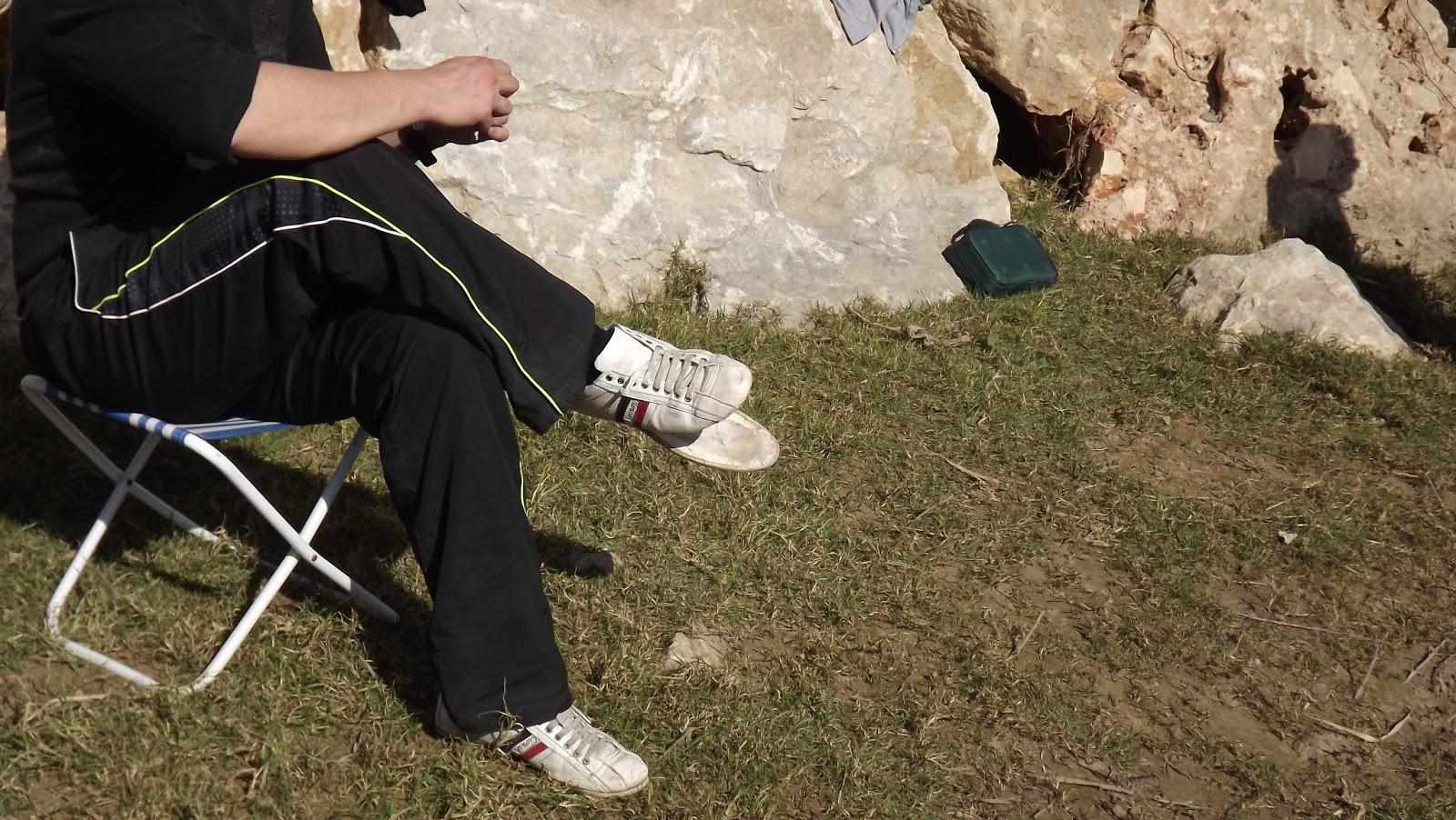 Reparar una suela despegada - Paso 1