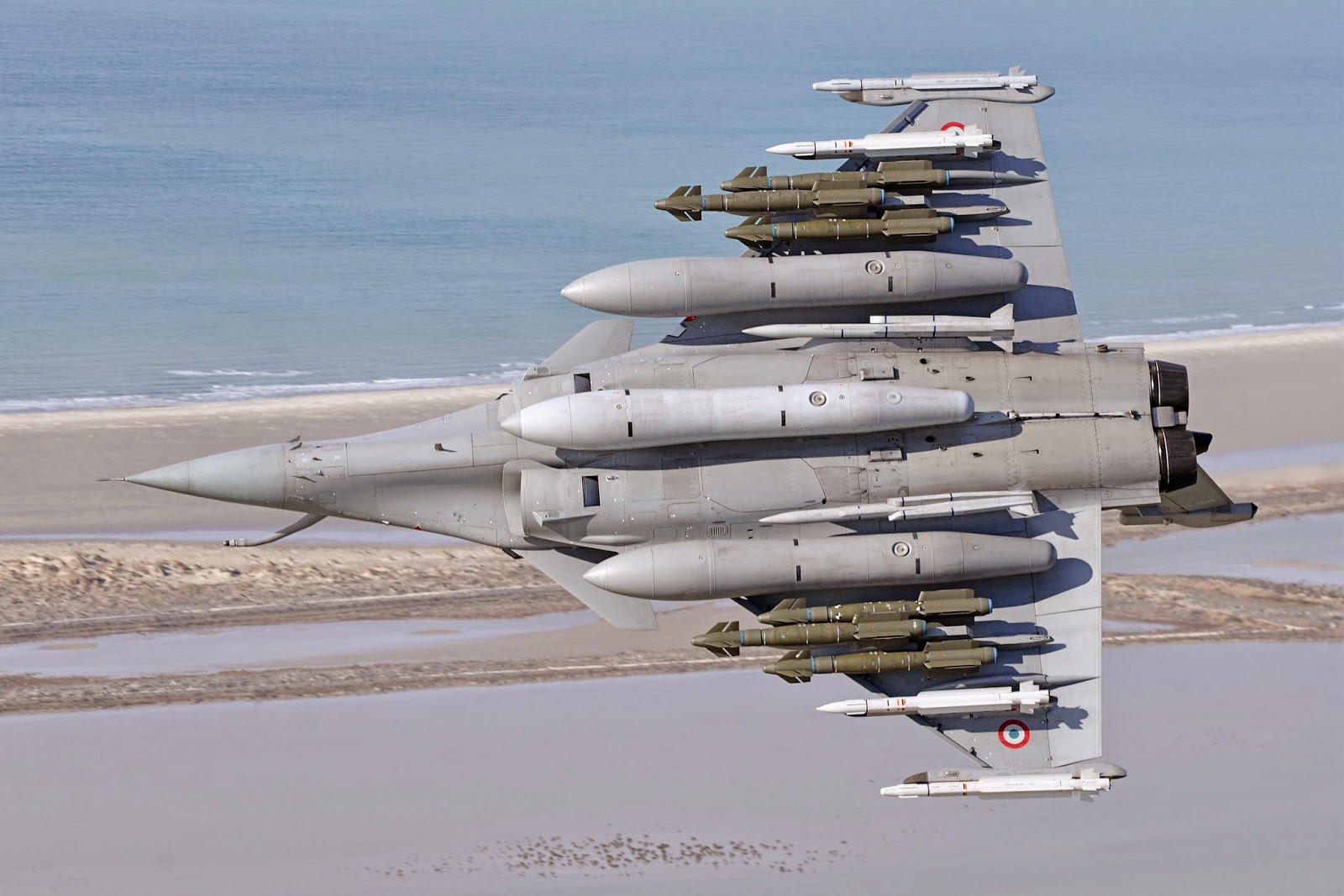 باريس والقاهرة على وشك الإتفاق على 24 مقاتلة رافال وفرقاطة فريم - صفحة 5 TnHF6t%2B%D9%84%D8%A7%D8%BA%D8%AA%D8%B5%D8%A7%D8%A8%2B%D8%A7%D9%84%D8%AD%D9%88%D9%8A