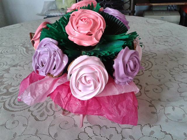 http://caserissimorecetas.blogspot.com.es/2013/10/planta-florida-de-cupcakes.html