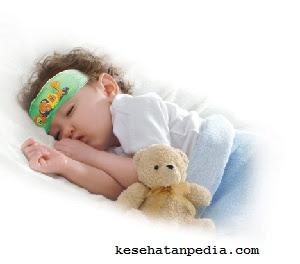 Mengatasi demam pada bayi