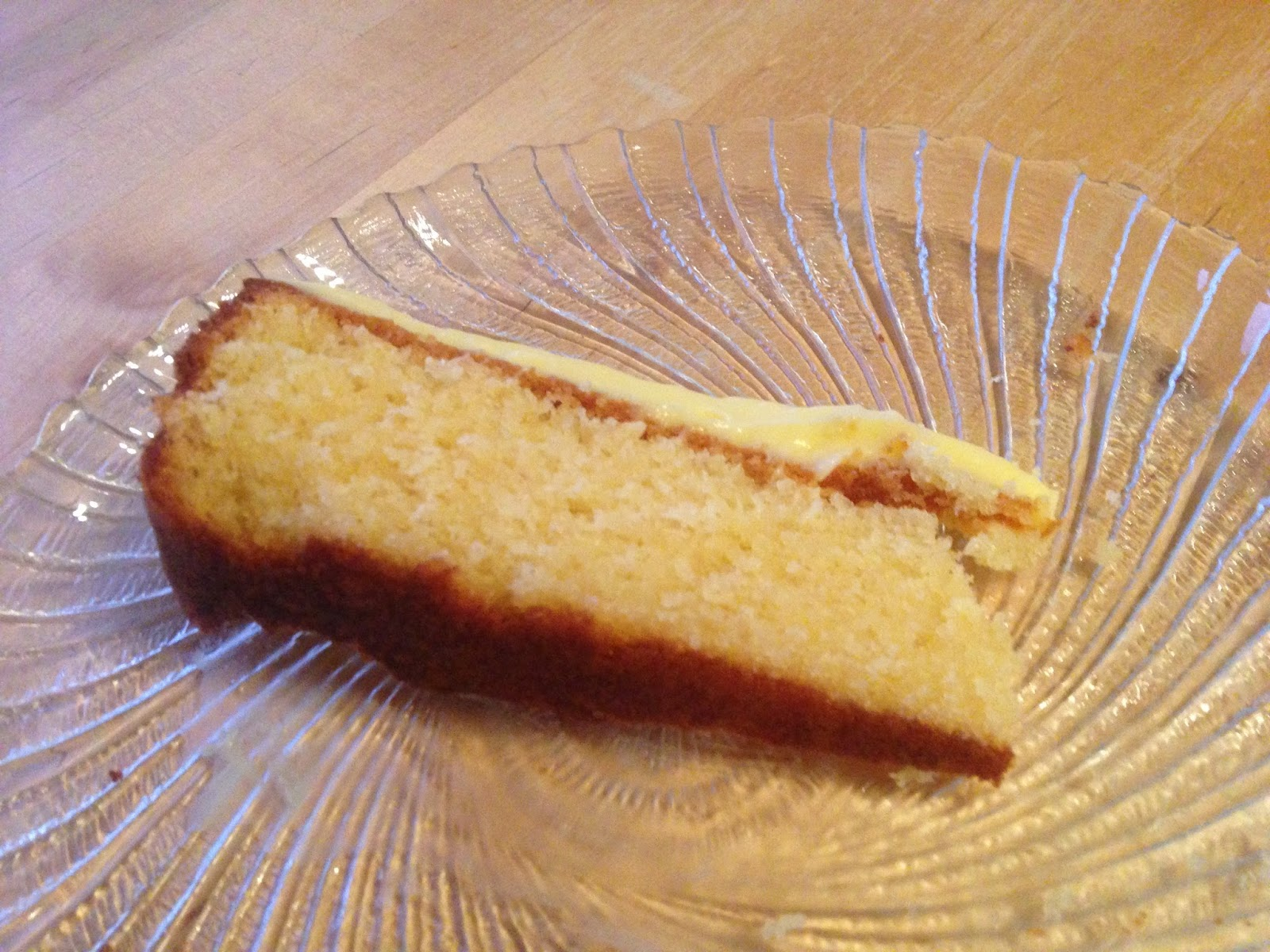 52 Cakes: Cake #11 - Lemon and Almond Streamliner Cake
