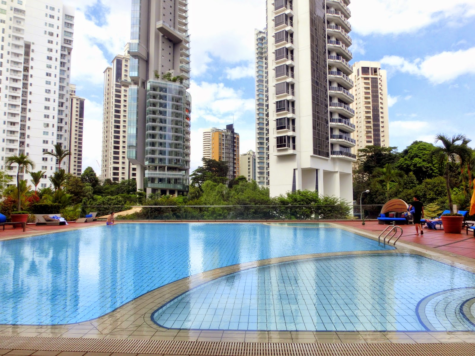 Staycation pan pacific orchard singapore club studio - Pan pacific orchard swimming pool ...