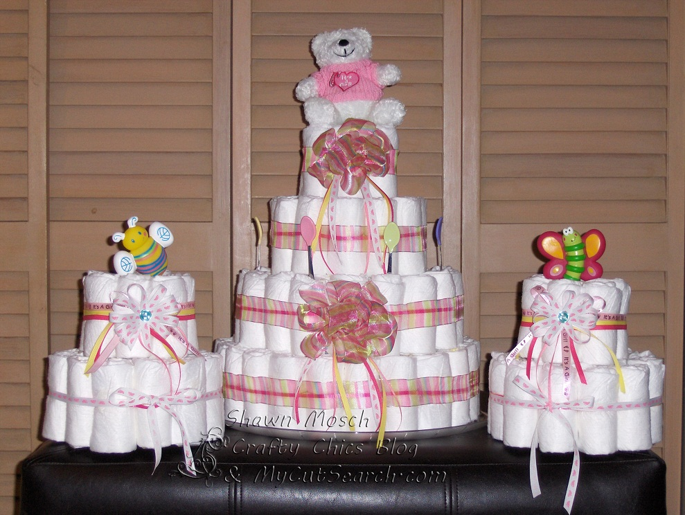Crafty chic 39 s baby shower diaper cake party favors for Baby shower decoration diaper cake
