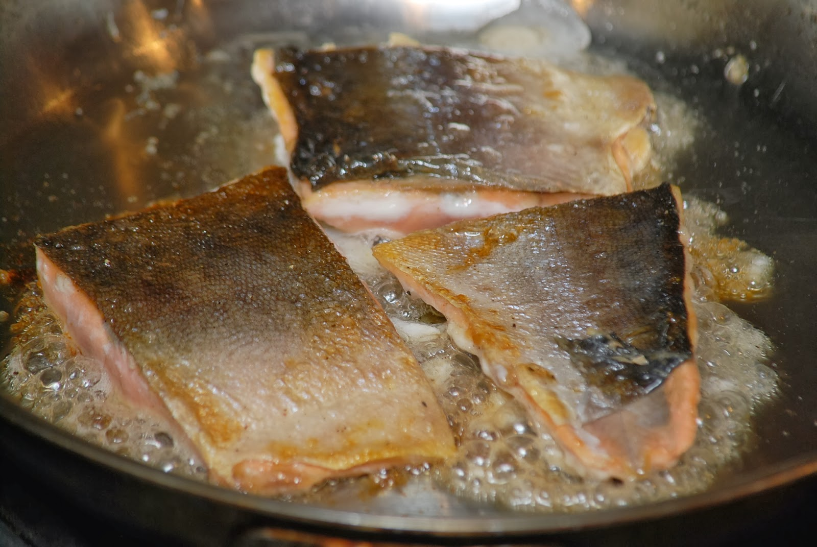how to know if salmon is cooked