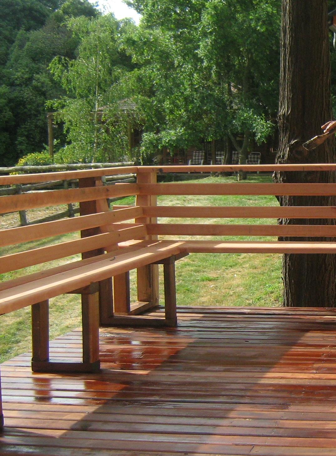 Terraza fabricaci n de muebles puertas y ventanas en for Asientos terraza